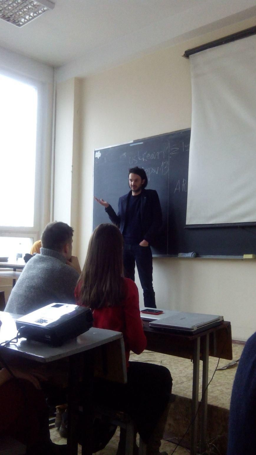 В Днепропетровске журналист рассказал, как выбрался из иловайского котла (ФОТО), фото-1