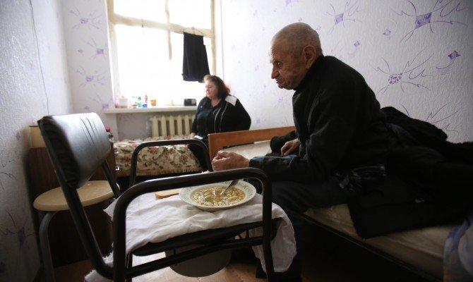 Жизнь с нуля: Как Украина встречает беженцев из зоны АТО (фото) - фото 1