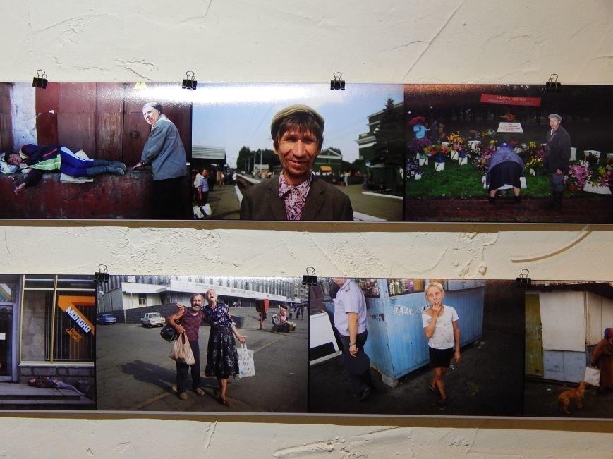 На Прорезной открылась фотовыставка Александра Чекменева  «20 лет спустя» (ФОТОРЕПОРТАЖ) (фото) - фото 1