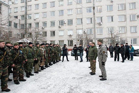 В зону АТО отправилась очередная группа черниговских милиционеров (фото) - фото 1