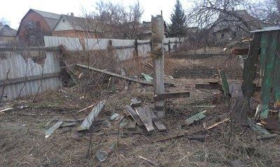 В Макеевке обстрелу подвергся поселок Пастуховка: фото разрушений (фото) - фото 1