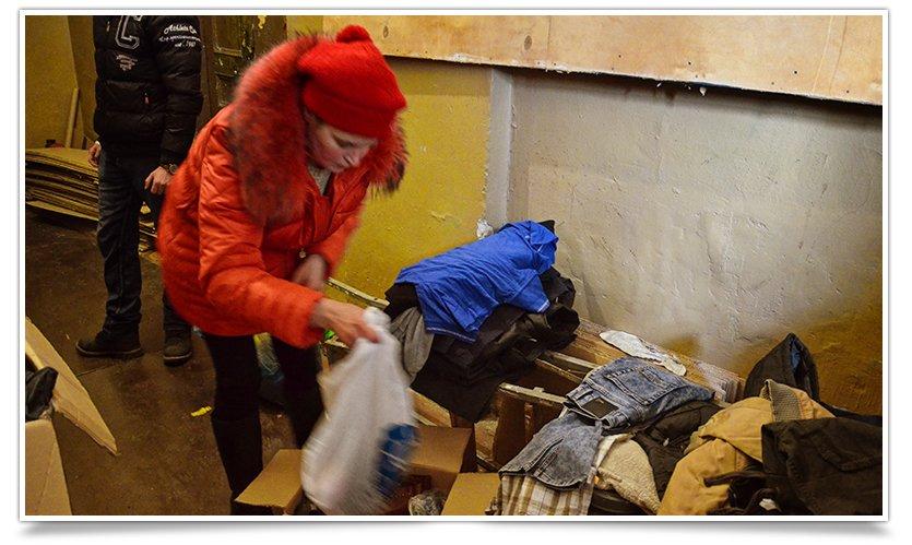 Волонтёры Славянска начали раздавать итальянскую гуманитарку (фото) - фото 6