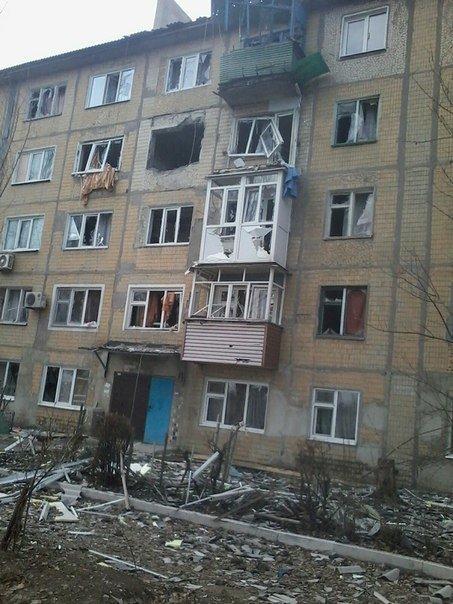 Массированный обстрел Авдеевки в выходные дни (фотофакт) (фото) - фото 2