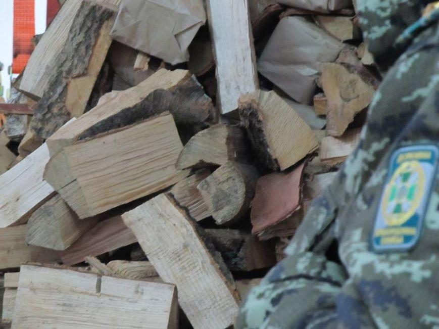 Львівські митники затримали рекордну контрабанду цигарок (ФОТОРЕПОРТАЖ), фото-5
