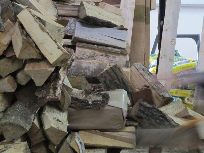 Львівські митники затримали рекордну контрабанду цигарок (ФОТОРЕПОРТАЖ), фото-1