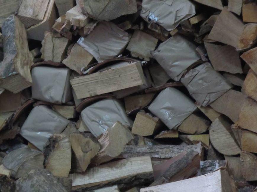 Львівські митники затримали рекордну контрабанду цигарок (ФОТОРЕПОРТАЖ), фото-2