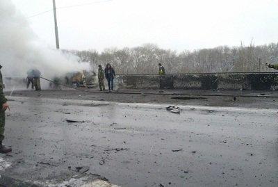 В Донецке обстреляли Петровский мост, есть жертвы (фото) - фото 1