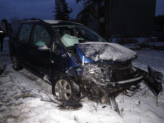 В Островецком районе при столкновении с «Фольксвагеном»  непристегнутый водитель и пассажир лбами разбили стекло (Фото), фото-4