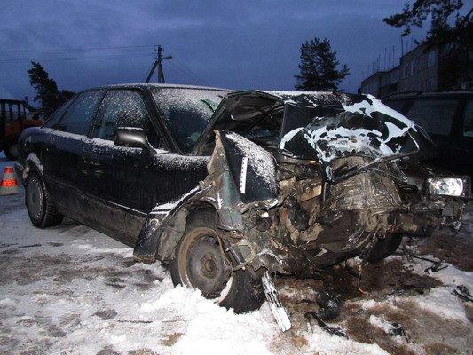 В Островецком районе при столкновении с «Фольксвагеном»  непристегнутый водитель и пассажир лбами разбили стекло (Фото), фото-3