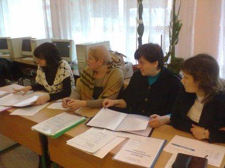 Юные ученые Димитрова защитили научно-исследовательские работы в рамках МАН (фото) - фото 2