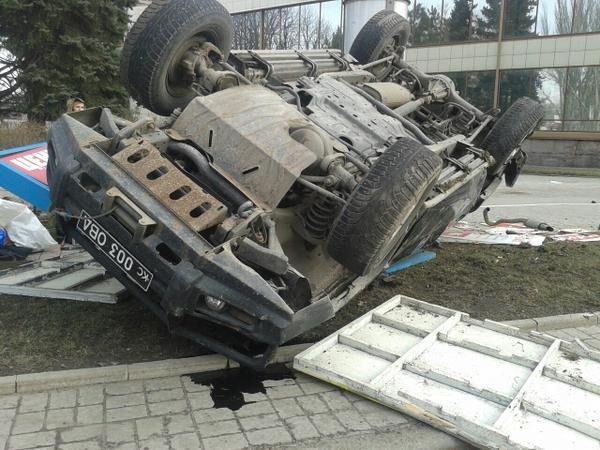 В центре Донецка перевернулся джип с боевиками (ФОТОФАКТ), фото-2
