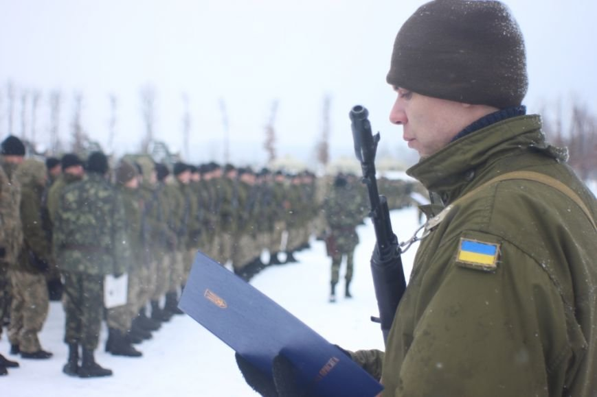 Перше випробування: на Львівщині бійці, які складали присягу, вистояли 5 годин на морозі  (ФОТОРЕПОРТАЖ), фото-1