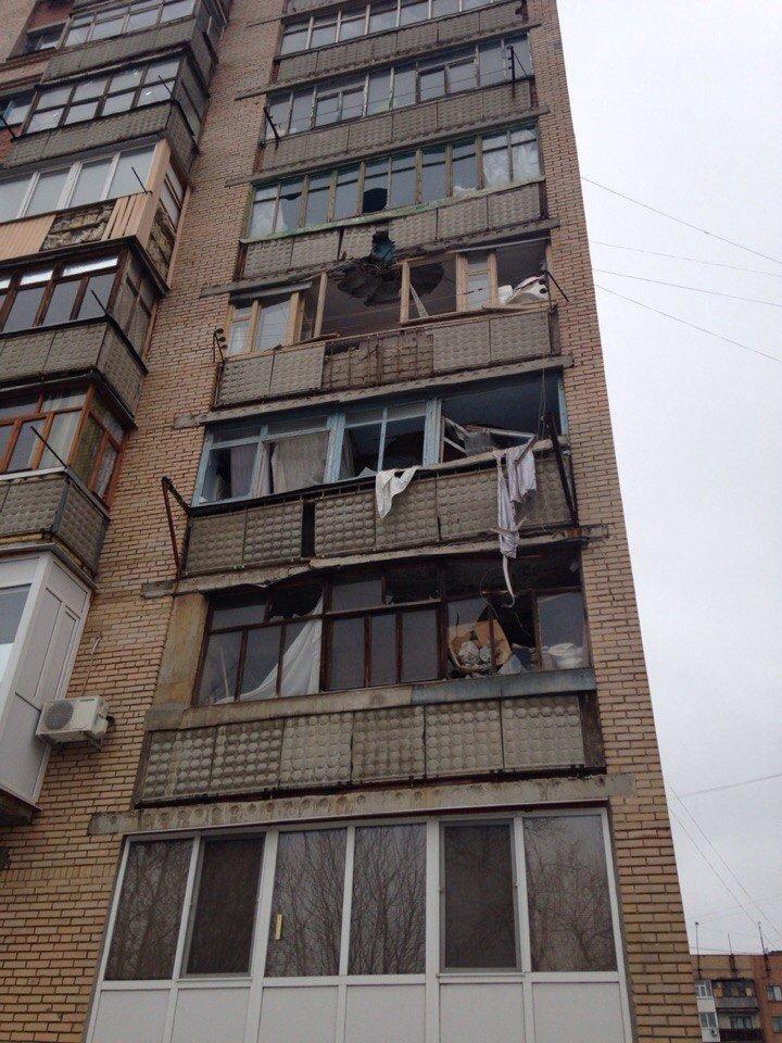 Горловские боевики обстреляли Краматорск:  погибли 3 человека, 15 получили ранения (фото) - фото 1