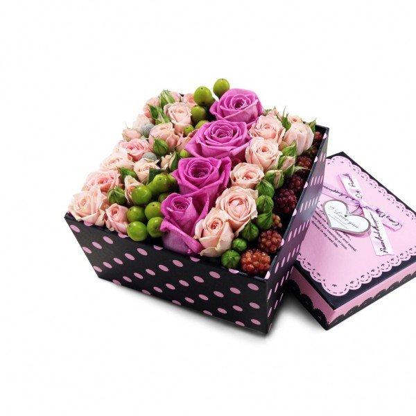 Роза розовая, Роза кустовая кремовая, Гиперикум салатовый, Ежевика Голландская-600x600