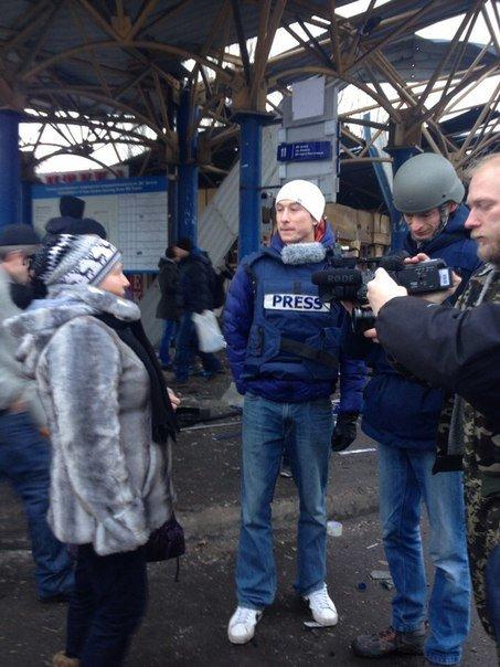 В Донецке обстреляна автостанция «Центр» и проходная ДМЗ - есть раненые и погибшие (ФОТО, ВИДЕО), фото-1