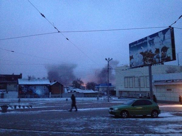 В Донецке обстреляна автостанция «Центр» и проходная ДМЗ - есть раненые и погибшие (ФОТО, ВИДЕО) (фото) - фото 2