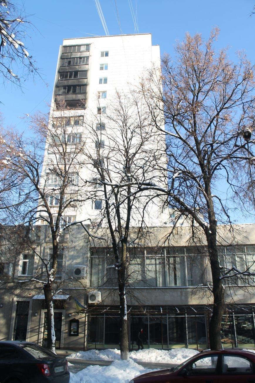 Сильный пожар в многоэтажке в центре Сум: 1 погибший, 5 пострадавших (ФОТО). ОБНОВЛЕНО, фото-1