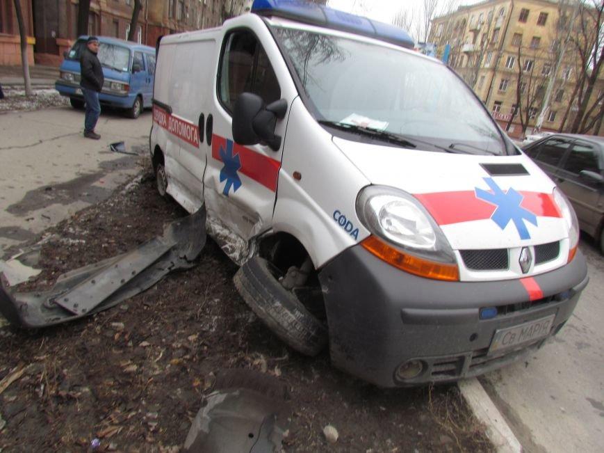 Мариуполец не пропустил автомобиль скорой помощи с бойцами (ФОТО+ВИДЕО), фото-4