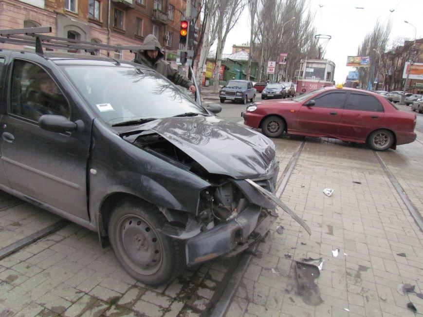 Мариуполец не пропустил автомобиль скорой помощи с бойцами (ФОТО+ВИДЕО), фото-5
