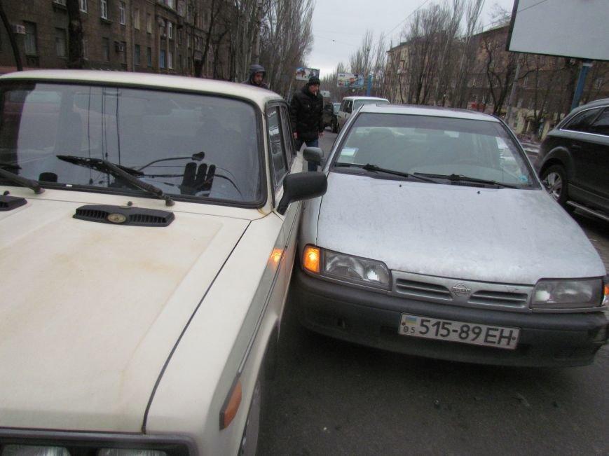 Мариуполец не пропустил автомобиль скорой помощи с бойцами (ФОТО+ВИДЕО), фото-2