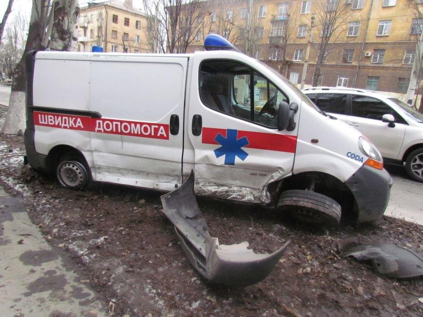Мариуполец не пропустил автомобиль скорой помощи с бойцами (ФОТО+ВИДЕО), фото-3