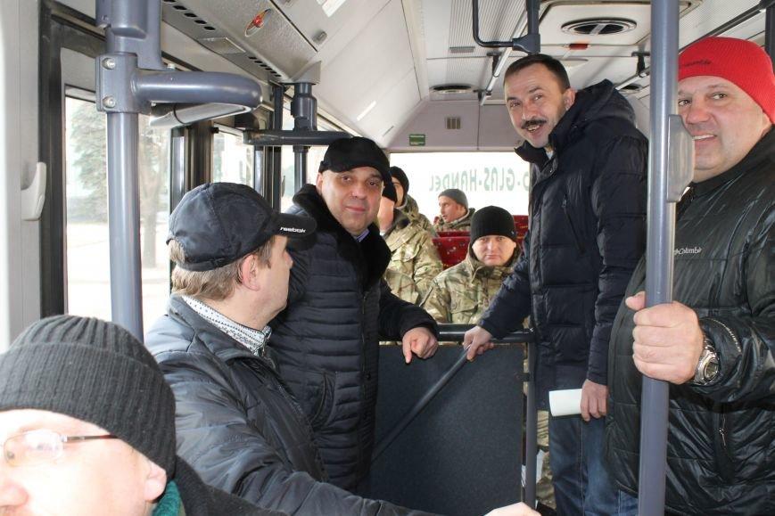 Спецбатальону «Кривбасс» волонтеры-предприниматели подарили автобус (ФОТО), фото-1