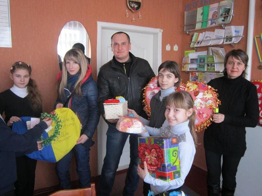 Кременчугские школьники сделали для украинских воинов валентинки для поднятия боевого духа (ФОТО), фото-1