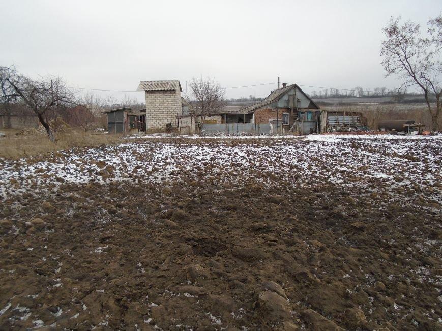 Боеприпасы и разруха: новые кадры обстрела Гродовки (ОБНОВЛЕНО) (фото) - фото 21