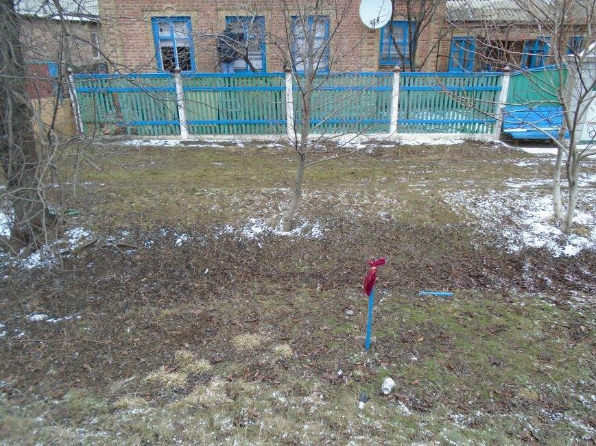 Боеприпасы и разруха: новые кадры обстрела Гродовки (ОБНОВЛЕНО) (фото) - фото 27