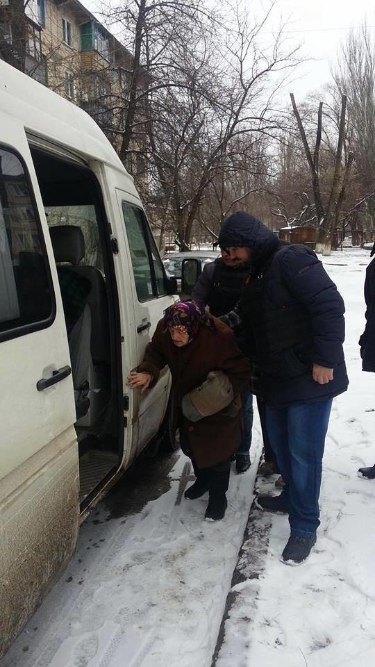 В старой части Авдеевки волонтеры раздали еще 200 продуктовых пакетов (фото), фото-4