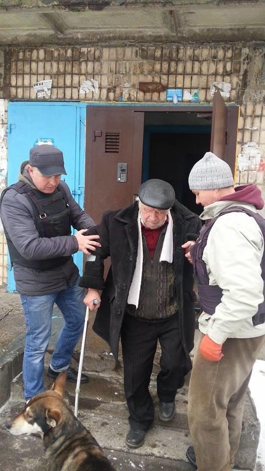 В старой части Авдеевки волонтеры раздали еще 200 продуктовых пакетов (фото), фото-3