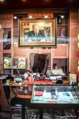 Жизнь в гродненском колхозе «Квасовка»: зарплата 7 млн и свинина за 60 тыс. (Фото), фото-1