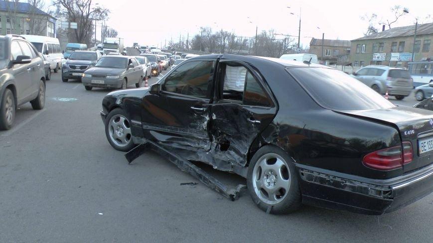 В Днепропетровске произошло ДТП, в результате которого пострадал пассажир (ФОТО) (фото) - фото 2