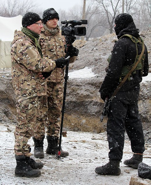 В зоні АТО у військового журналіста влучила касетна ракета (ФОТО) (фото) - фото 1