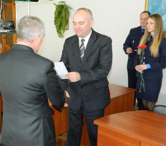 Начальник УМВД в области вручил денежную премию правоохранителям, которые воевали в Афганистане (фото) - фото 1