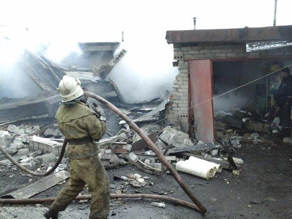 За 11 февраля в Горловке от артобстрелов пострадали 6 мирных жителей, а также множественные разрушения на ж/м Строитель (фото) - фото 2