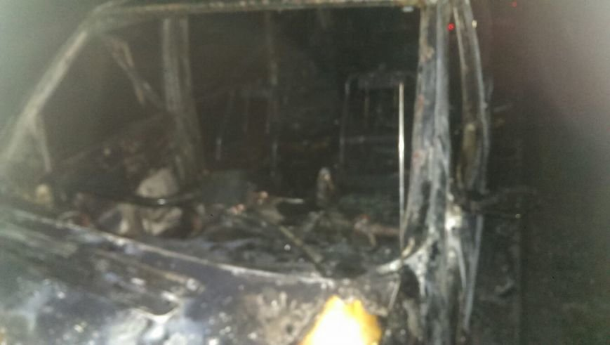 Еще один поджог: На Котовского в Одессе взорвался микроавтобус (ФОТО) (фото) - фото 1