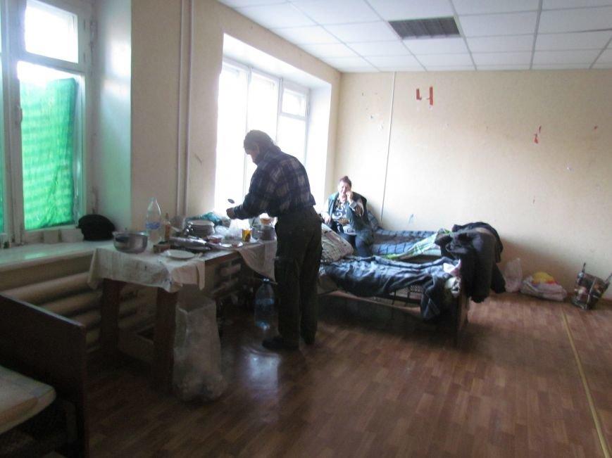 Вынужденные переселенцы из Широкино довольны мариупольским приемом (ФОТО), фото-3