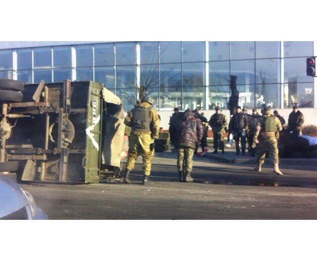 В Одессе в ДТП попал грузовик военных (ФОТО) (фото) - фото 1