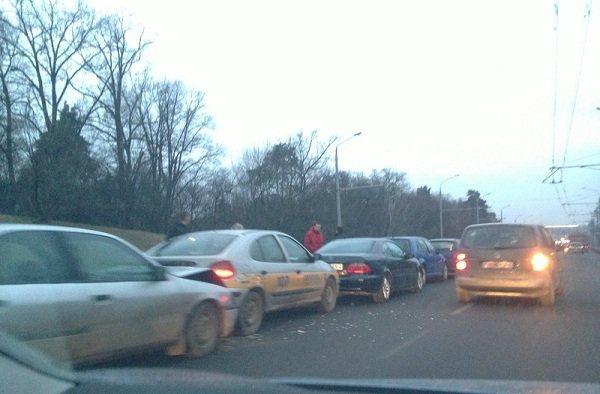 Дорожные аварии в Гродно: 9 улиц, по которым лучше не ездить (Фото, Видео) (фото) - фото 1