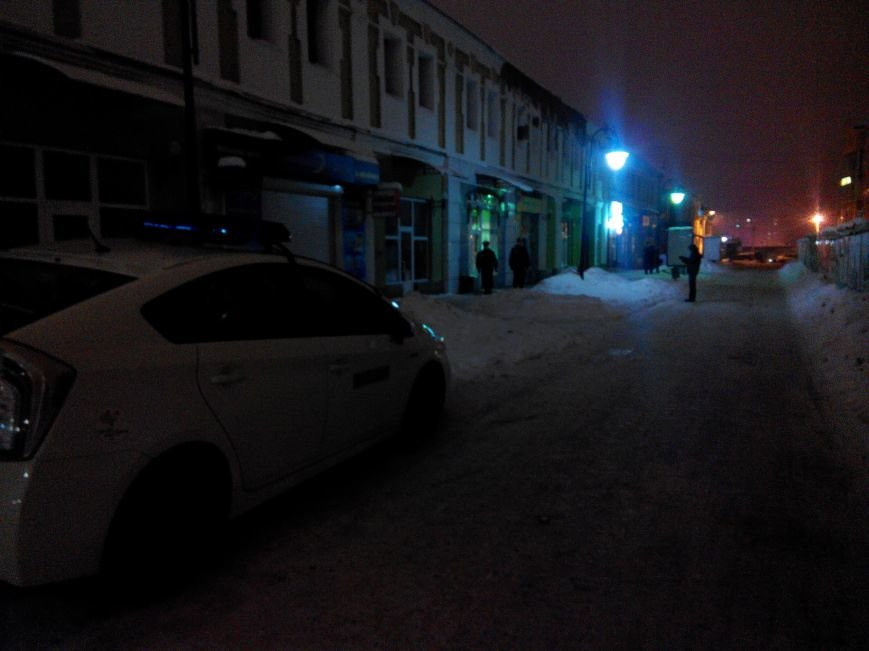 В центре Сум ограбили ювелирный магазин (ФОТО) (фото) - фото 1