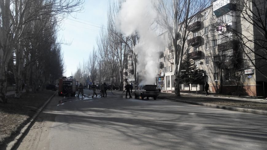 В Краматорске сгорел автомобиль (ФОТО и ВИДЕО) (фото) - фото 1