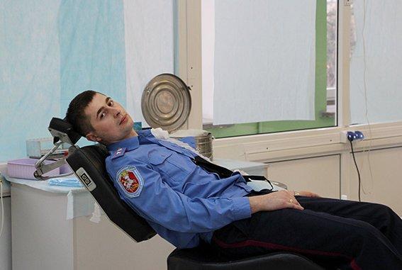 Львівські міліціонери здали свою кров, аби допомогли 13-річній дівчинці (ФОТОРЕПОРТАЖ) (фото) - фото 2