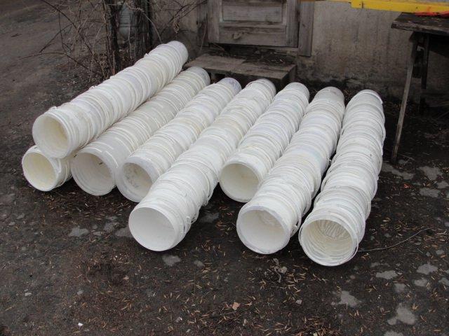 В Мариуполе обнаружили склад с поддельной молочной продукцией и детским питанием (ФОТО) (фото) - фото 1