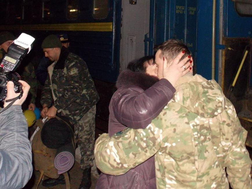 На Закарпаття повернулося 102 чопських прикордонника з зони АТО (ФОТО) (фото) - фото 3