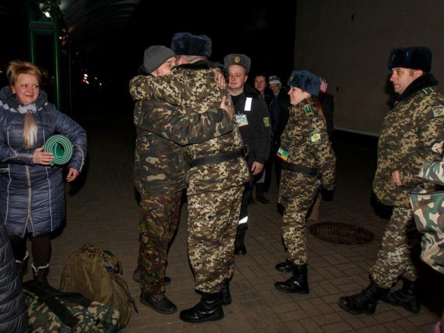 На Закарпаття повернулося 102 чопських прикордонника з зони АТО (ФОТО) (фото) - фото 4