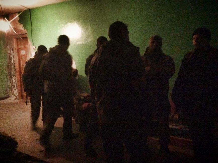 Бойцы  «Днепр-1» третий день находятся под обстрелом в Чермалыке (ФОТО), фото-8