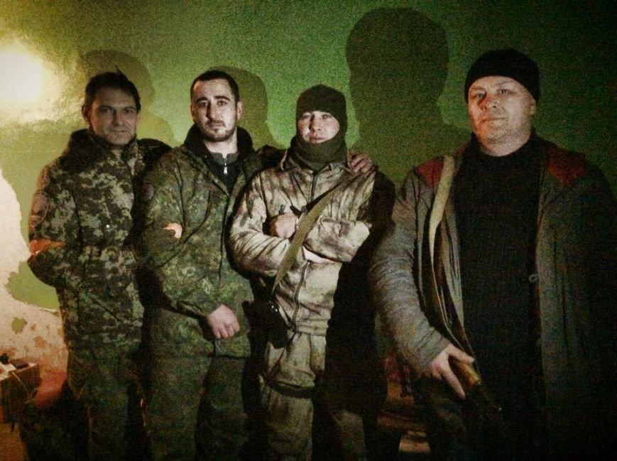Бойцы  «Днепр-1» третий день находятся под обстрелом в Чермалыке (ФОТО), фото-4
