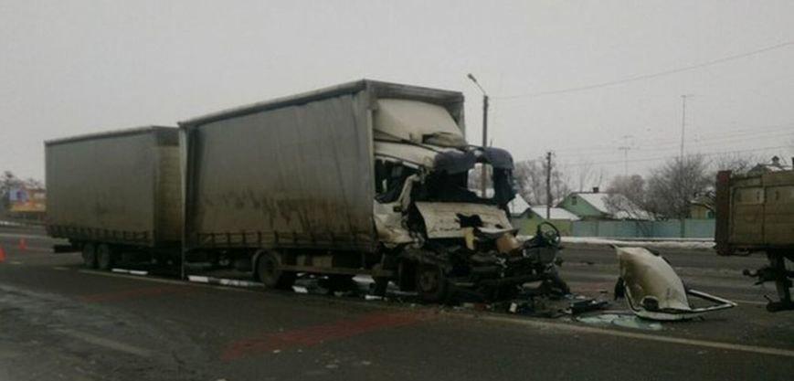 Около Песочина столкнулись два грузовика: один водитель погиб (ФОТО), фото-3