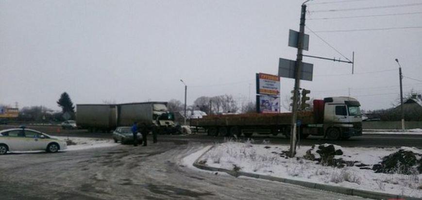 Около Песочина столкнулись два грузовика: один водитель погиб (ФОТО), фото-2